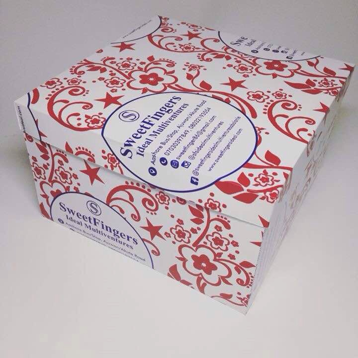 Customized cake box