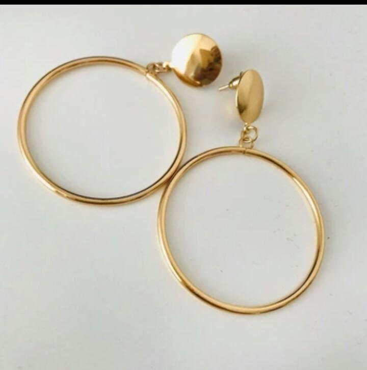 Classic Gold hoop earing